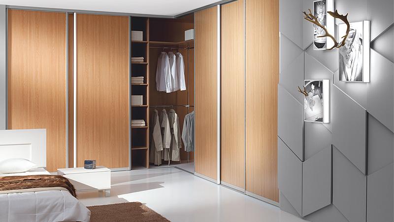 einbau u freistehende schr nke komandor frankfurt. Black Bedroom Furniture Sets. Home Design Ideas